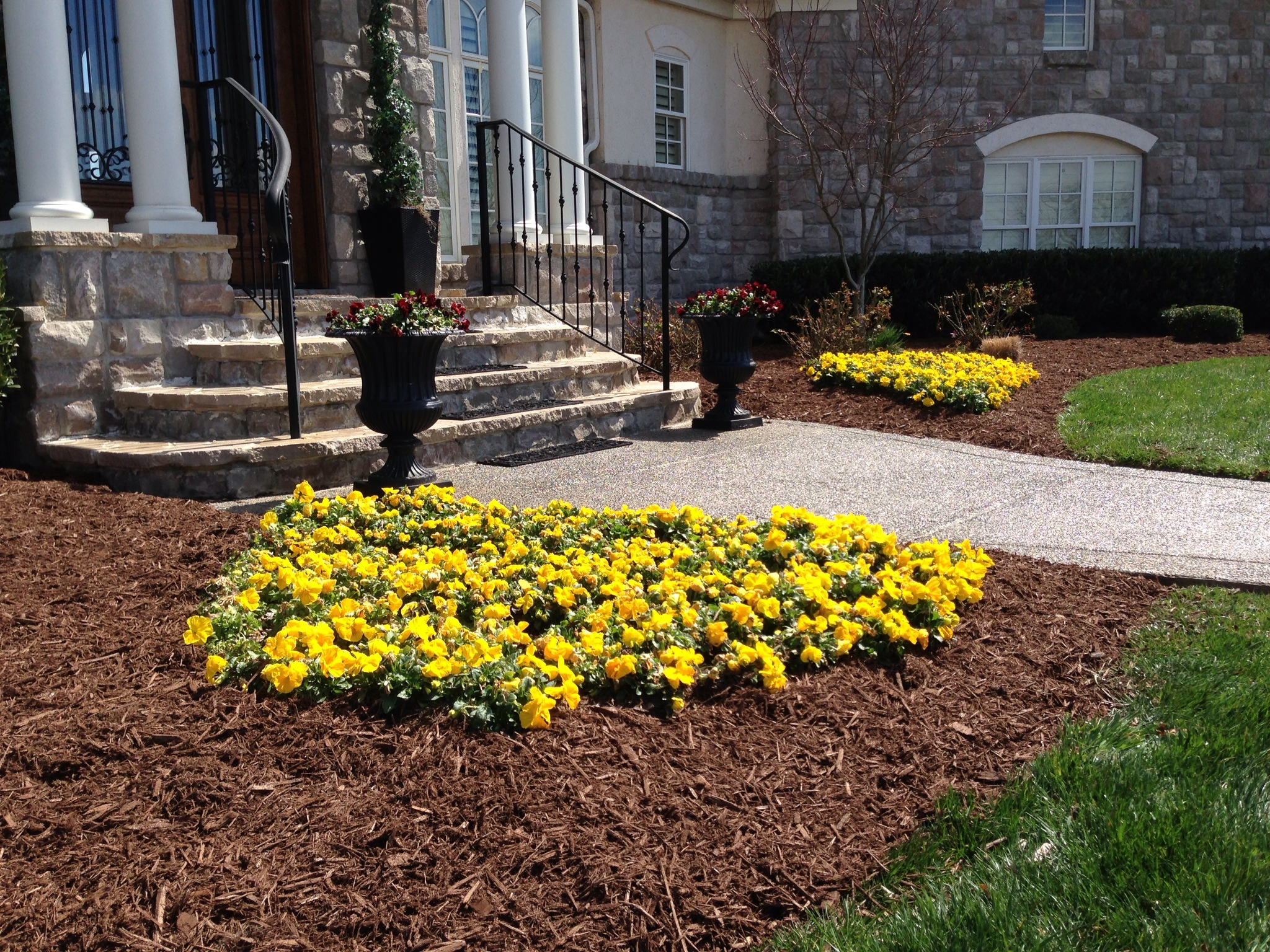 Extreme lawn service services landscape installation for Landscaping services